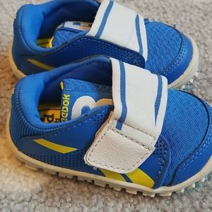 BRAND NEW!! Reebok peek and fit shoes